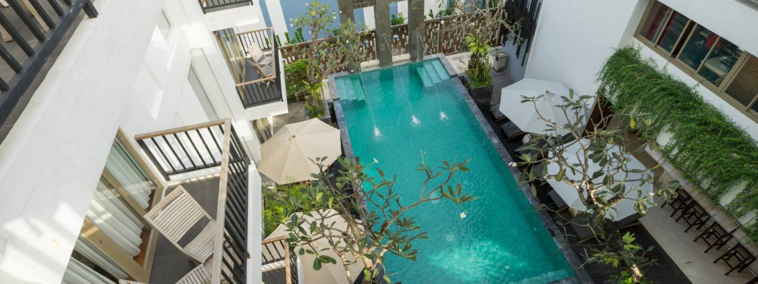 Grand Deluxe Pool View Rooms